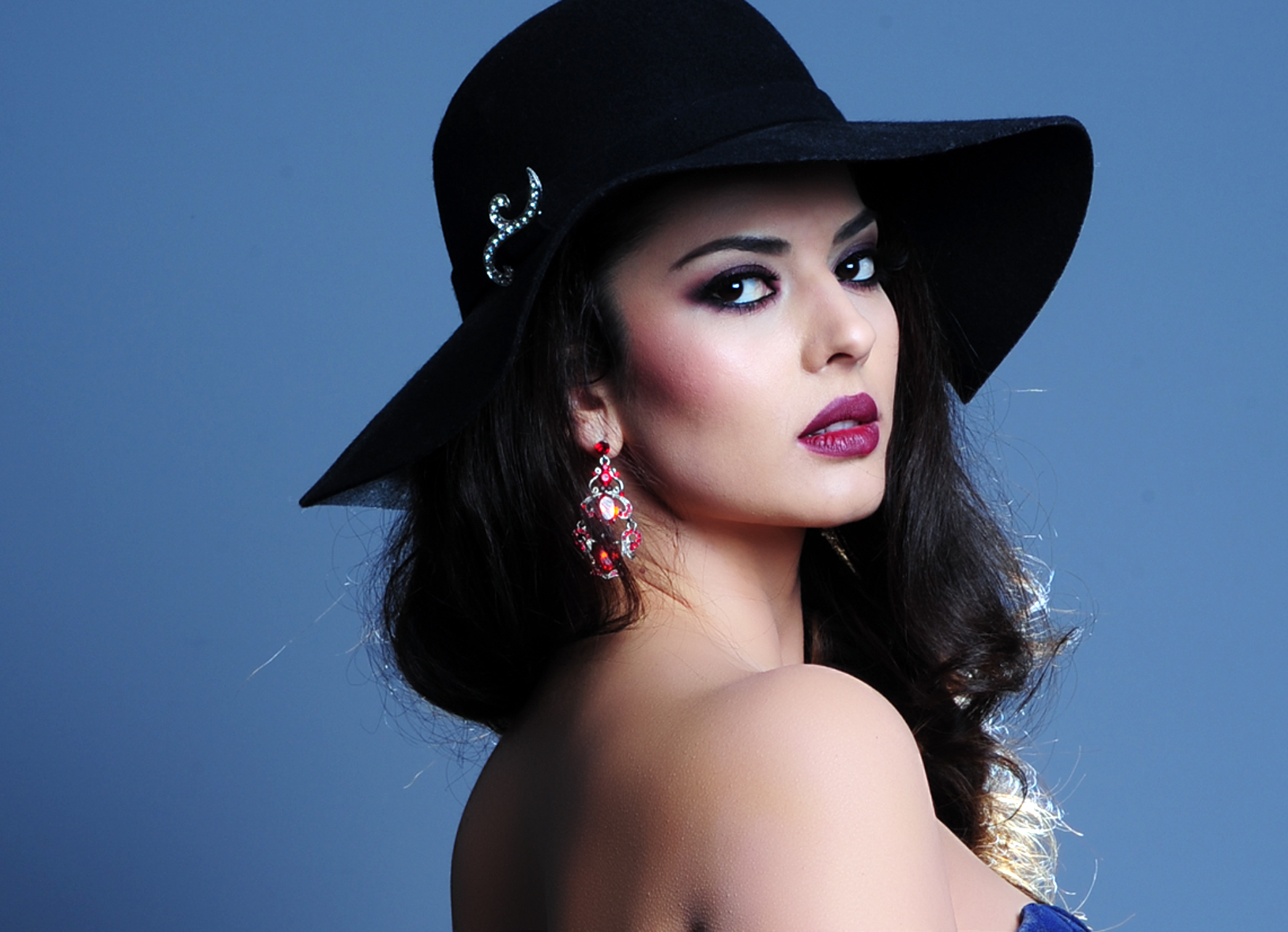 Some Beautiful Albanian Girls - AnthroScape
