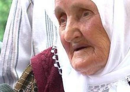 IKJA NGA ATDHEU Zaide-Hasani-Plaka-me-e-moshuar-shqiptare
