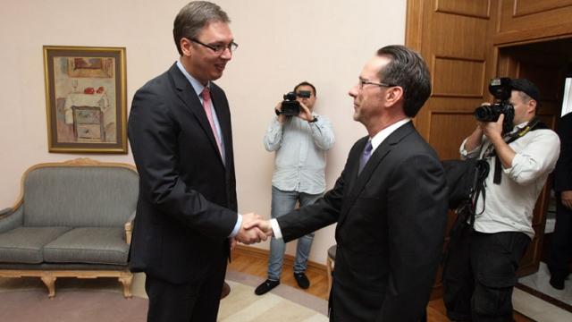 williamson-takon-kryeministrin-serb_hd