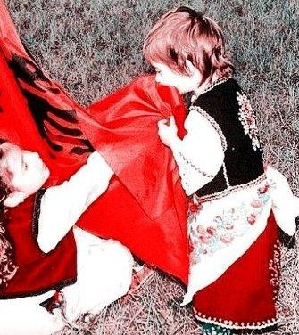 flamuri-kombetar-femijte