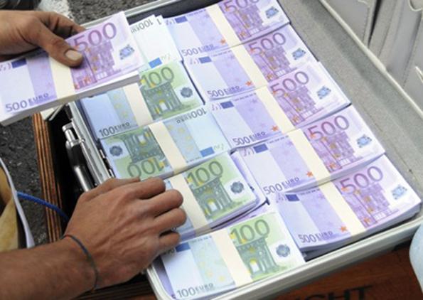 policia-franceze-kap-serbin-me-350-000-euro-ne-bagazh-dyshohet-se-ato-ishin-nga-droga
