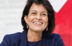 Bundesrätin Doris Leuthard hat weiterhin Grund zum Lachen: Das knappe Ja zum neuen Radio- und TV-Gesetz wurde bisher nicht juristisch angefochten. Eine Nachzählung der Stimmen scheint unwahrscheinlich.