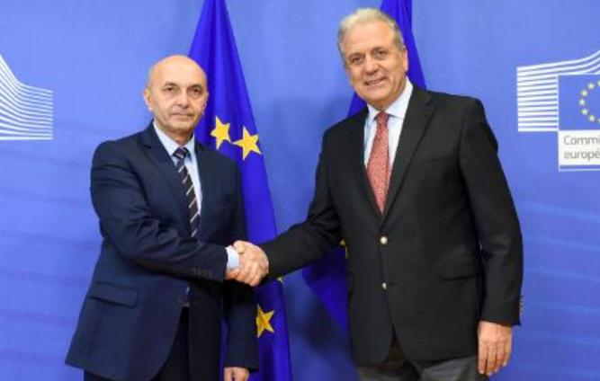 Mustafa  për ceshtjen e vizave nesër pasdite takohet ne Bruksel me Avramopoulos