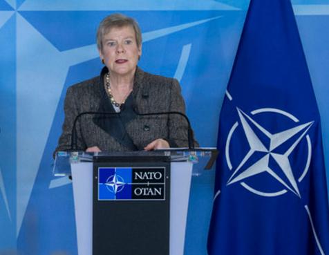 Zv Sekretarja e Përgjithshëm i NATO s Gottemoeller nesër viziton Beogradin