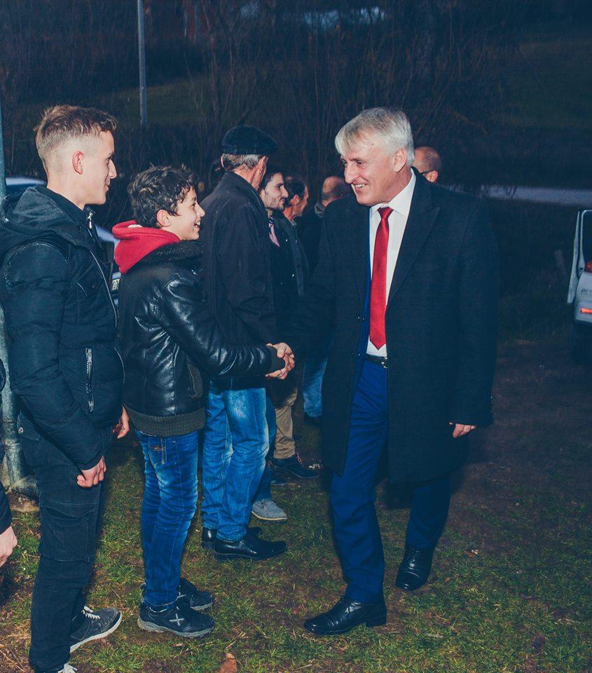 Mustafa falemderon fshatin Shoshaj për kontributit gjatë luftës së UCPMB se