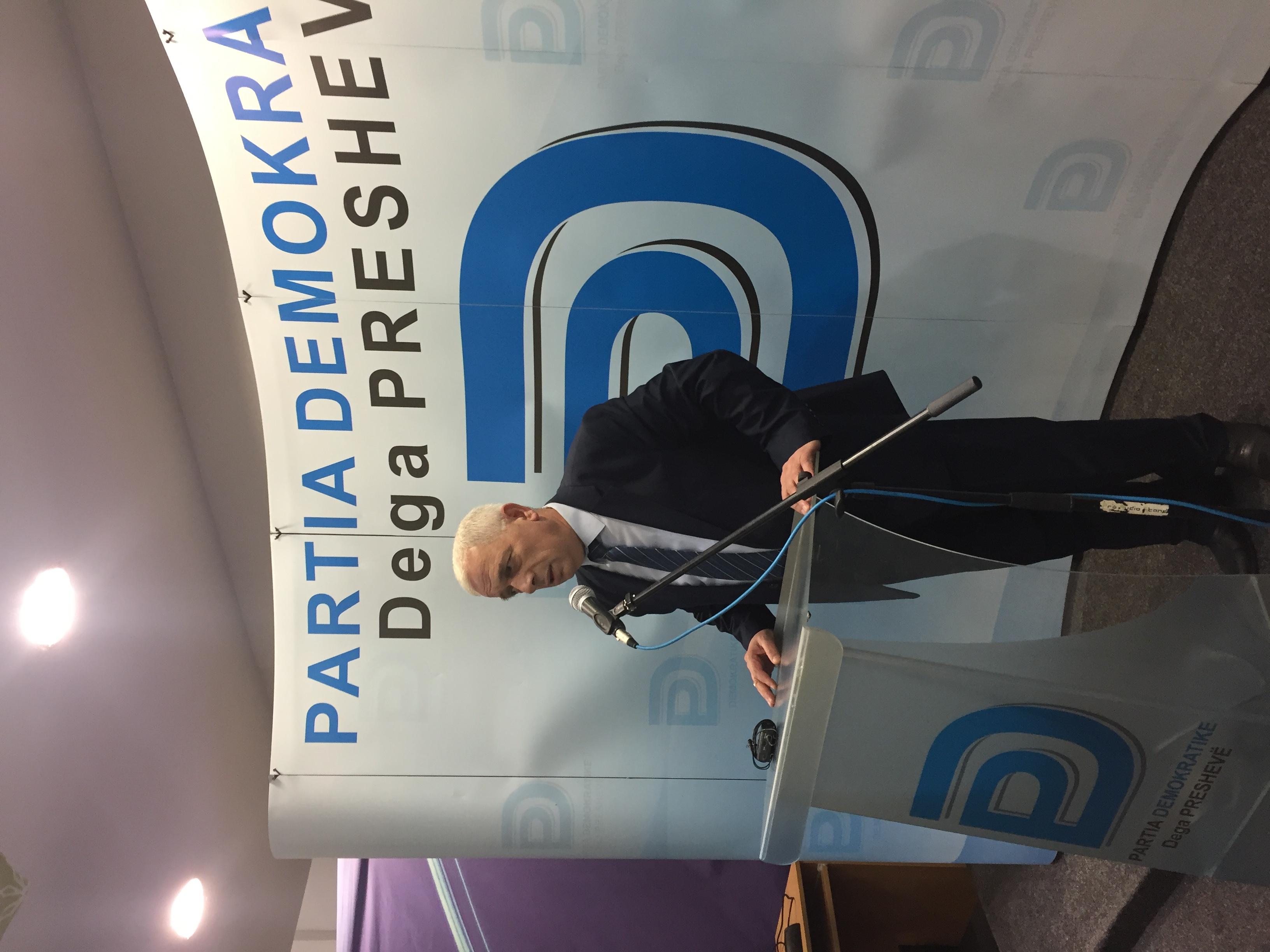 Nagip Arifi ne Presheve  Lideret politike te Presheves  ne Beograd te bute e ne Prishtine me çifteli
