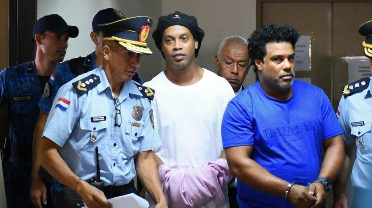 Paguan shifrën stratosferike  dalin nga burgu Ronaldinho dhe vëllai i tij