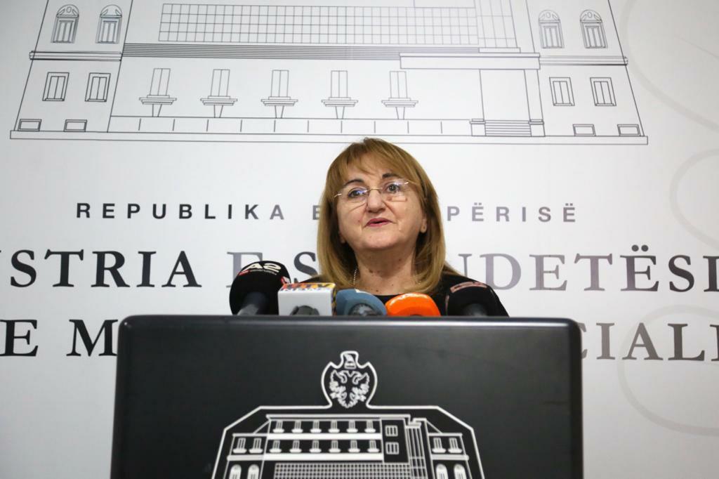 Ministria e Shendetesise  400 të prekur nga koronavirusi në Shqipëri  17 raste te reja