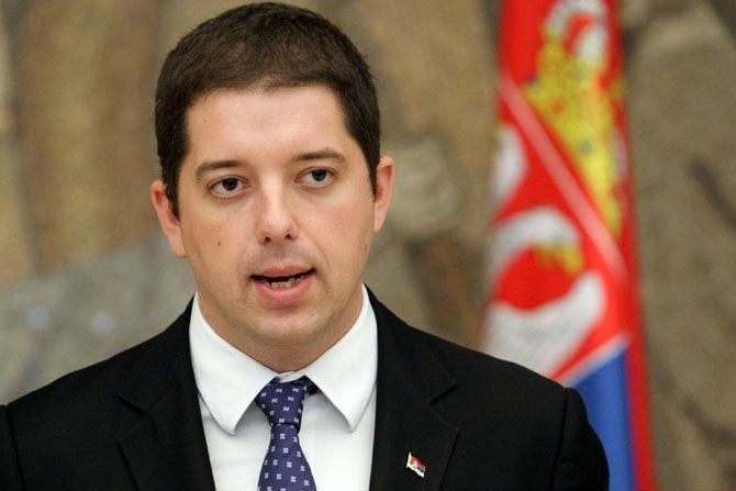 Nuk ndalet Qeveria e Serbisë  Sot sjell në Mitrovicën e Veriut edhe respirator